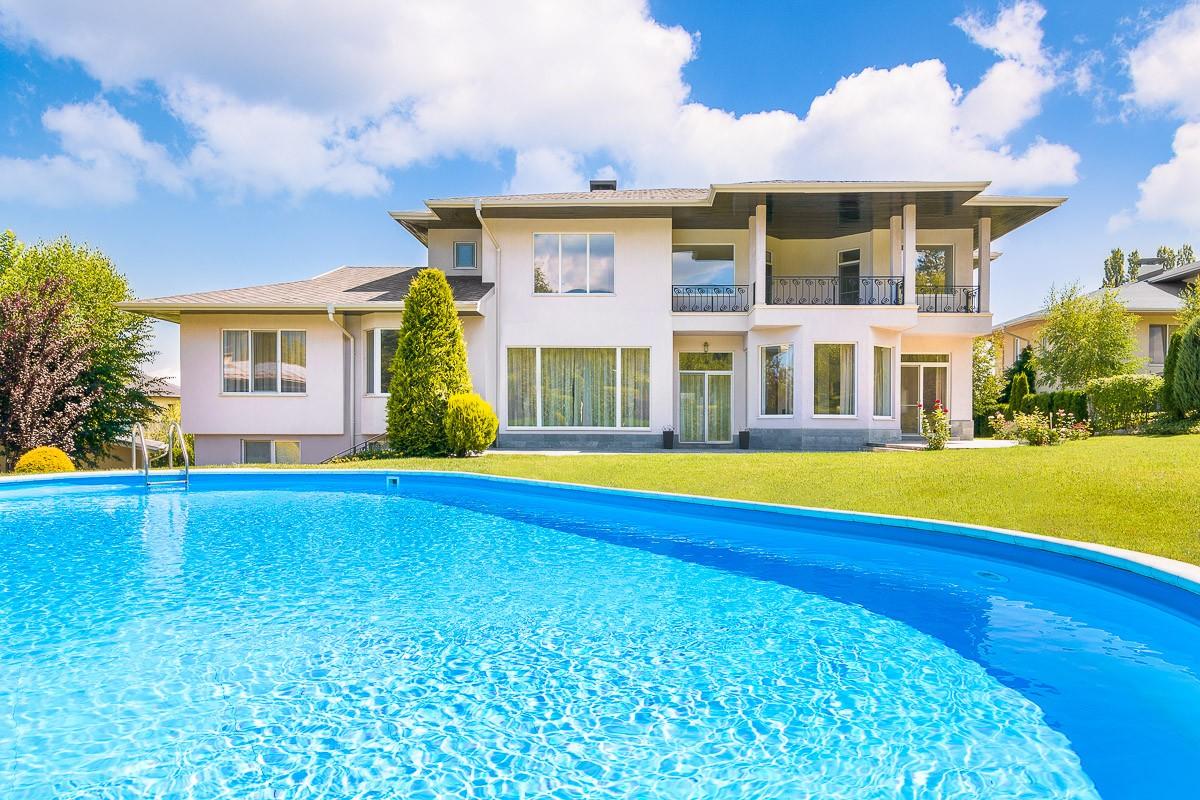Екстериорна фотография на жилищна къща.jpg
